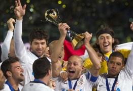 Instituto tenta penhorar taça do Mundial do Corinthians