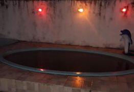 Homem é assassinado e jogado dentro de piscina em João Pessoa