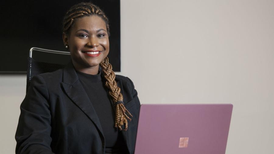 Advogada brasileira e negra conheça uma das pessoas mais influentes do mundo