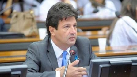 ministro 300x169 - Novo ministro de Bolsonaro, Mandetta é investigado por fraude em licitação, tráfico de influência e caixa dois