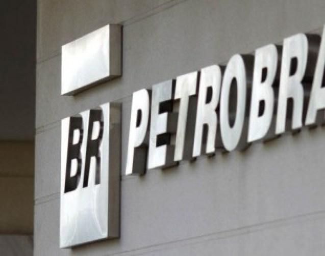 petrobras 310x245 300x237 - Petrobras divulga nova redução de preço da gasolina nas refinarias