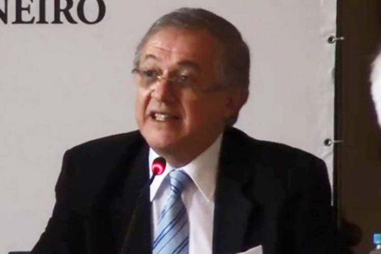 ricardo velez rodriguez - GOVERNO SE DESFAZENDO: Vélez anuncia demissão de número 2 do MEC