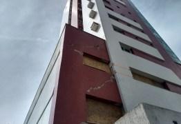 PERIGO: Prédio de 14 andares é esvaziado após estrondo durante obras