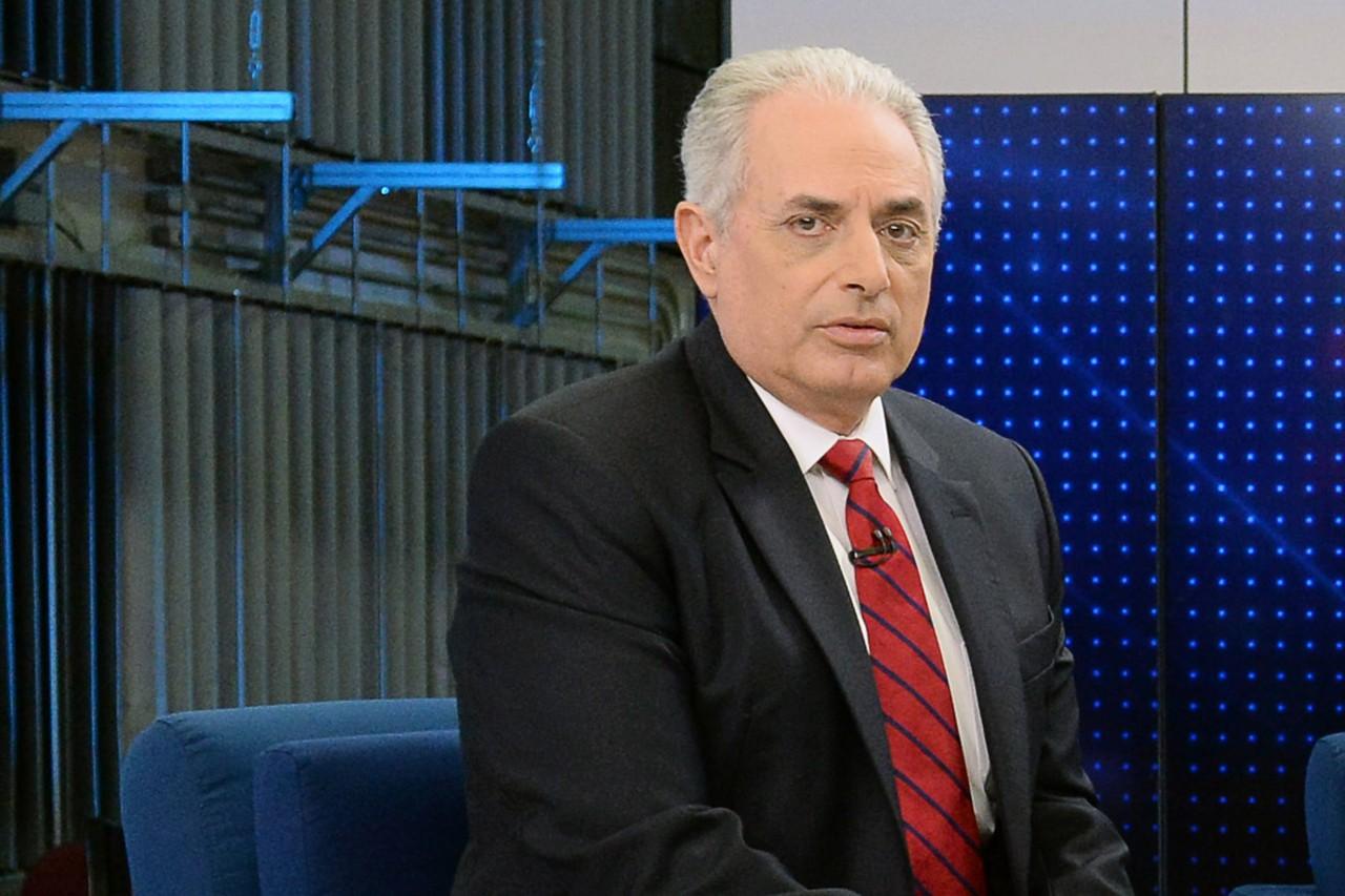 Dois anos após ser demitido pela Globo, William Waack poderá tornar-se o principal apresentador de novo canal