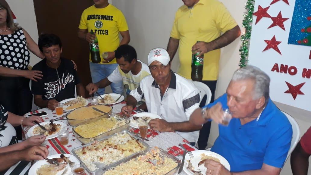 6b9837c0 c085 42b3 bf81 0a2791a4319e - Prefeito Zé Aldemir janta com moradores de rua na Casa de Acolhimento