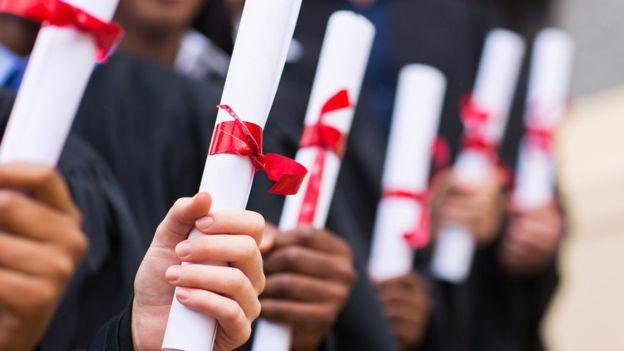 92249181 thinkstockphotos 475853577 - Diploma inútil? quase metade dos jovens com diploma está fora da área de formação
