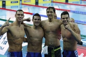 NATAÇÃO: Com direito a recorde mundial, Brasil é ouro nos 4x200m livre masculino