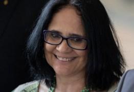 MANDAMENTO DIVINO: 'Na minha concepção cristã, mulher no casamento é submissa ao homem', diz Damares Alves