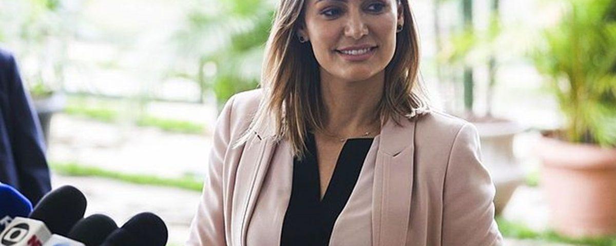 Michelle Bolsonaro2 1200x480 - De origem humilde, futura primeira-dama do Brasil já trabalhou em supermercado