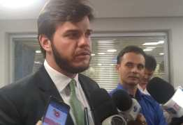 OUÇA: Bruno Cunha Lima cita filme Tropa de Elite para avaliar saída da ALPB: 'Eu caí para cima'