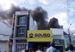 VEJA VÍDEO: Incêndio de grandes proporções atinge lojas no centro de Uiraúna
