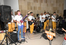 Banda musical formada por apenados encerram atividades do Fórum Criminal, em João Pessoa