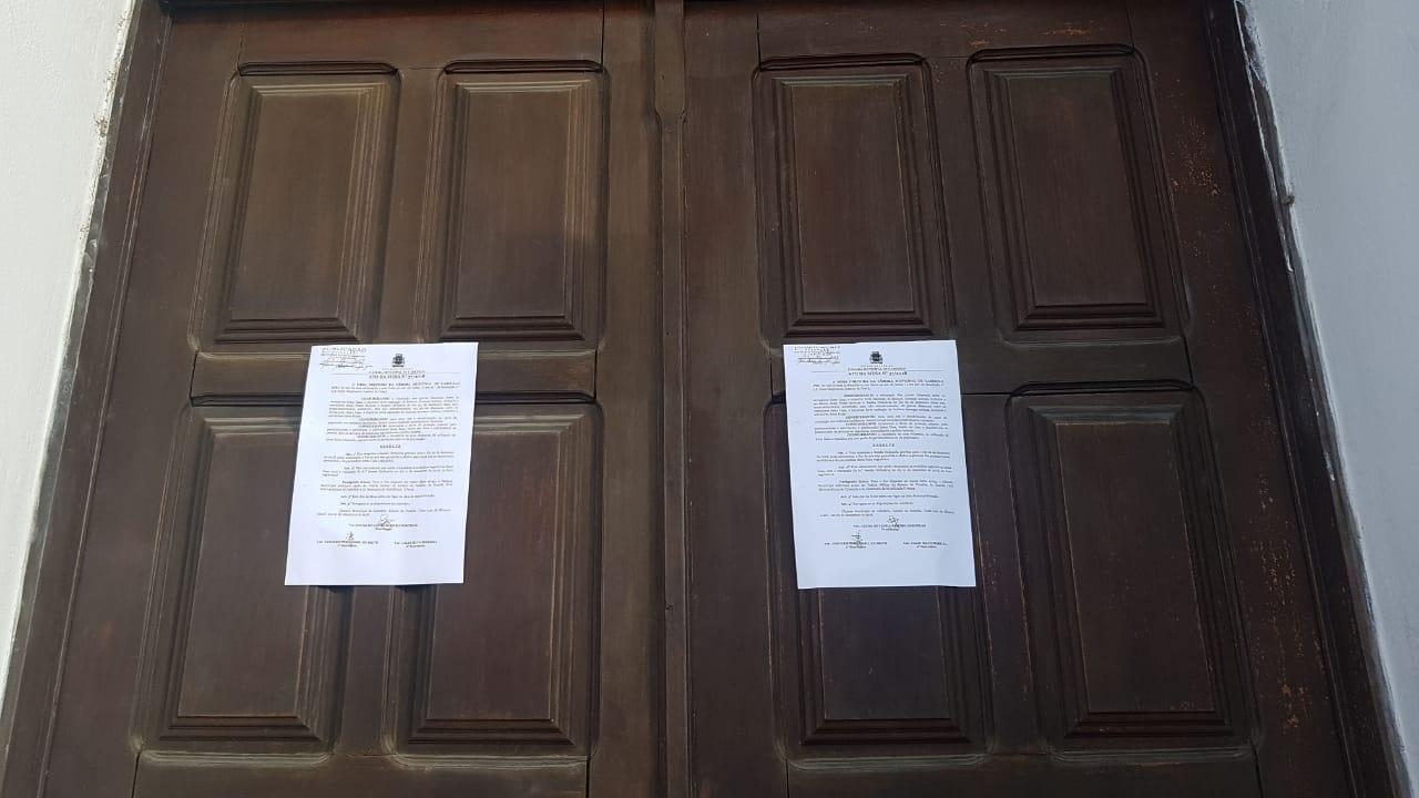 c1 - Para evitar 'atos violentos', Geusa Ribeiro suspende sessão na Câmara de Cabedelo