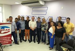 Veneziano se reúne com prefeitos do Cariri para tratar de projetos, ações e investimentos na região