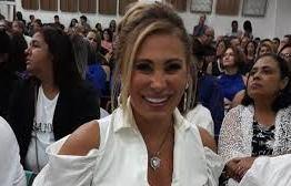 RESTAURADA: Angela Bismarchi se torna pastora e desabafa; ´Eu era uma pecadora'
