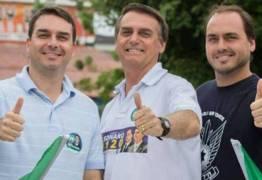CRISE, DESENTENDIMENTOS E FISCALIZAÇÃO: Atuação intensa dos filhos de Bolsonaro preocupa equipe do presidente eleito