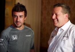 Mesmo fora da Fórmula 1 Fernando Alonso mantém contrato firmado com a McLaren