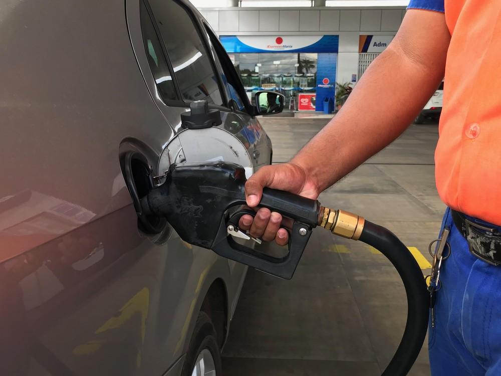 gasolina bomba - Preço médio da gasolina nos postos cai pela 9ª semana seguida, diz ANP