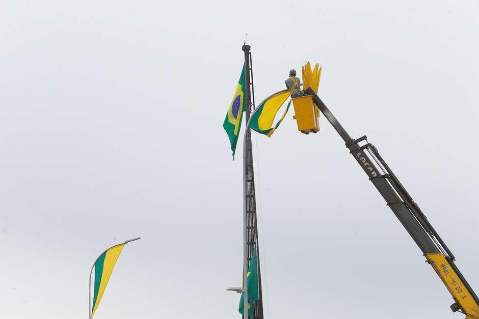 posse dida sampaio ae - Decreto permite destruição de 'aeronaves hostis' em posse de Bolsonaro