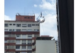 Em meio a protesto, suposto tiro atinge gabinete do vereador Fernando Holliday, em SP
