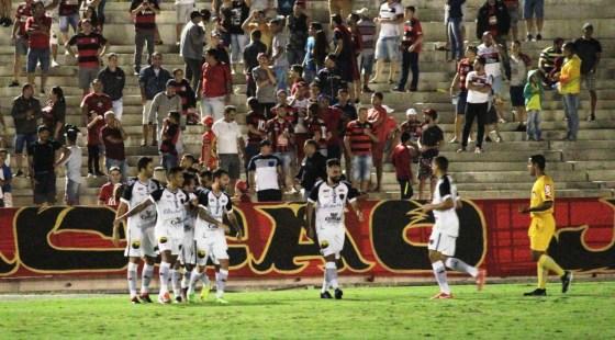 1 33 300x166 - Botafogo-PB vence clássico e mantém 100% de aproveitamento