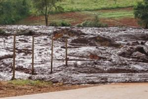 1 barragem  12  9447999 300x201 - Dez corpos são encontrados em ônibus soterrado em Brumadinho