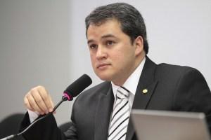 Efraim Filho 300x200 - Efraim Filho defende isenção de impostos sobre o Diesel usado no transporte Público