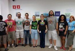 Empresas liberam funcionários a trabalharem de bermuda e camiseta por causa do calor
