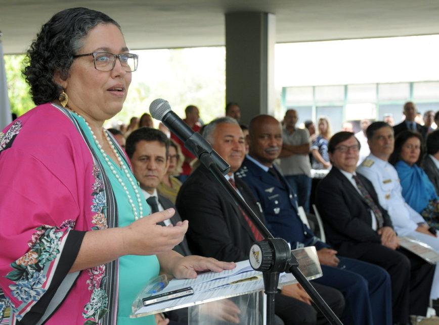 Suely Araújo 868x644 - Presidente do Ibama pede exoneração após polêmica com Bolsonaro
