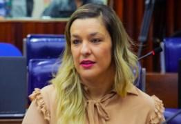 'O governador quer que o poder legislativo se curve para o executivo', afirma Camila Toscano