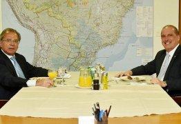 Após divergências, Bolsonaro pede 'coesão' entre Onyx e Guedes