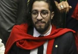 'FORÇA, QUERIDO JEAN WYLLYS': PSOL paraibano emite nota sobre renúncia de Jean Wyllys