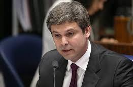 O CENÁRIO SE MONTA: Senador muda domicílio eleitoral para concorrer a prefeitura de João Pessoa