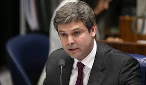 lind - O CENÁRIO SE MONTA: Senador muda domicílio eleitoral para concorrer a prefeitura de João Pessoa