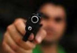 TIROS NO ESCURO: Policiais civis e militares afirmam ser contrários à flexibilização da posse de armas de fogo para cidadãos