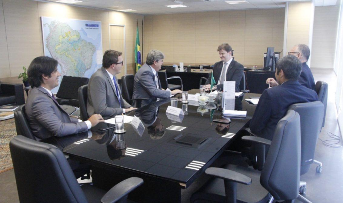reunião ministro governador - Em reunião com ministro, João Azevêdo cobra 3º Eixo da Transposição