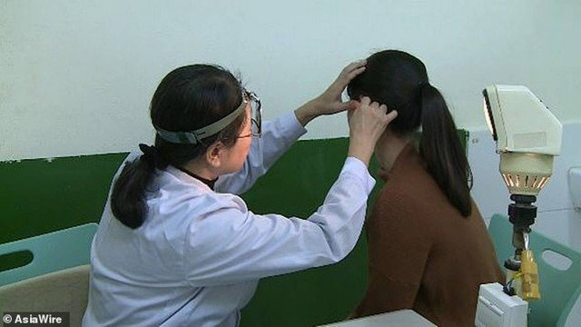 xchinesa surda.jpg.pagespeed.ic .dmLOrbcnco - Mulher chinesa sofre com condição rara e não consegue ouvir voz de homens