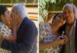 Aos 77 anos, Erasmo Carlos se casa no civil com pedagoga de 28: 'Coração em festa'