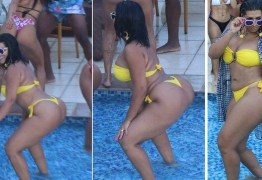 Moranguinho rebola de biquíni na piscina no novo clipe do marido, Naldo