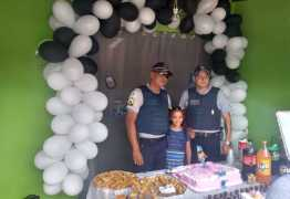 SONHO: Garota de 9 anos escolhe Polícia Militar como tema de festa de aniversário