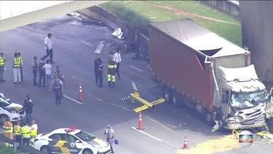 7373056 x216 - Câmeras de segurança gravam momento exato do acidente de Boechat: VEJA VÍDEO