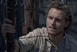 VISITA: Ator Callan McAuliffe, de Walking Dead é flagrado em shopping curtindo férias em João Pessoa