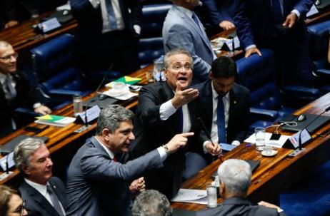 Capturar - Eleição para presidência do senado tem confusão e bate-boca após Casa decidir pelo voto aberto