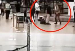 Diplomatas brasileiros trocam socos e tapas em aeroporto – VEJA VÍDEO