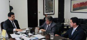 João Senado 1024x480 300x141 - João Azevêdo se reúne com presidente do Senado para acelerar tramitação de empréstimo junto ao Banco Mundial