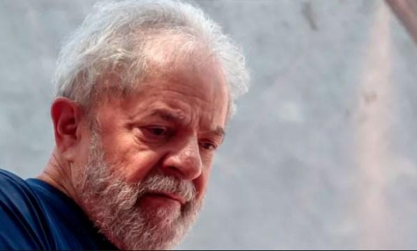 """Lula livre 300x181 - Comentarista afirma que Lula vai morrer em breve porque """"não aguenta mais tanta humilhação"""""""