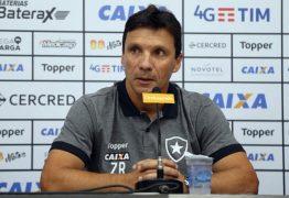 Técnico do Botafogo-RJ prevê jogo tenso contra o Campinense pela Copa do Brasil