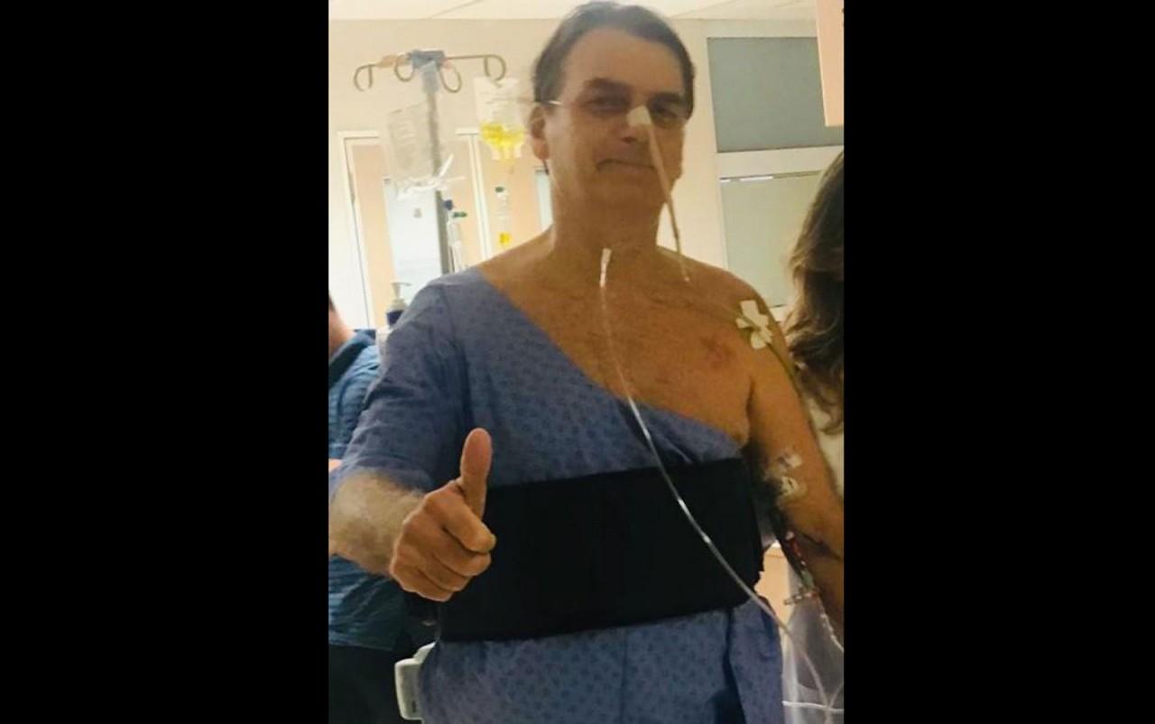 bolsonaro caminha - 'Sintomas são esperados, mas ele deveria ficar no mínimo um mês afastado das funções', diz médico paraibano sobre saúde do presidente Bolsonaro