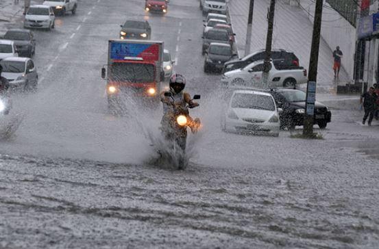 chuva 1 - Capital registra em 12 horas o volume de chuva previsto para o mês e equipes da PMJP estão mobilizadas