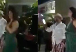 Homem dá festa para anunciar que companheira tem um caso com político – VEJA VÍDEO